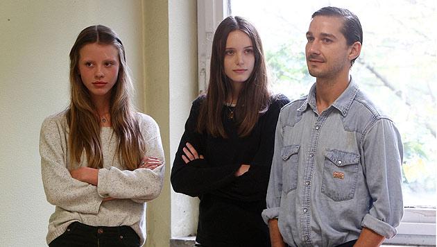 Shia LaBeouf mit 19-j�hriger Mia Goth liiert (Bild: dapd)