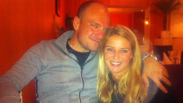 Seit zwei Jahren ein Paar – nun hielt Markus Flasch um Christine Reilers Hand auf einem Berg an. (Bild: Privat)