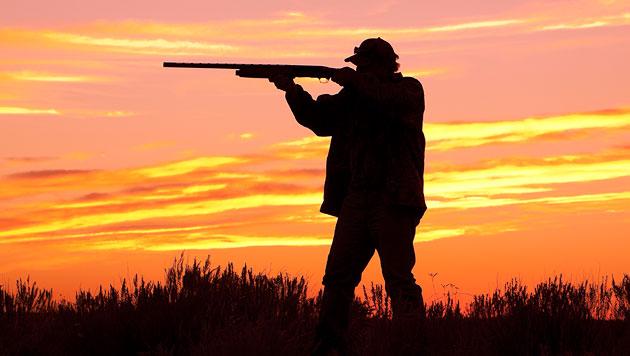 Jäger schießt sich in den Fuß - schwer verletzt (Bild: thinkstockphotos.de (Symbolbild))