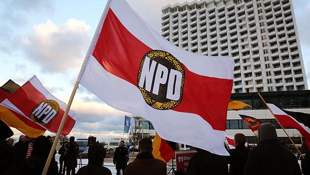 Deutsches Verfassungsgericht lehnt NPD-Verbot ab (Bild: EPA)
