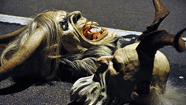 Alkolenkerin fährt betrunkenen Krampus nieder (Bild: APA/BARBARA GINDL (Symbolbild))