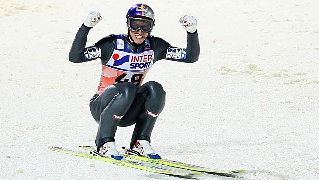 Schlierenzauer holt 42. Weltcupsieg, Kofler Dritter (Bild: EPA)