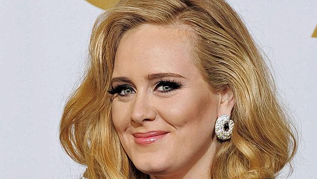 Sohn noch nicht angemeldet: Adele muss Strafe zahlen (Bild: dapd)