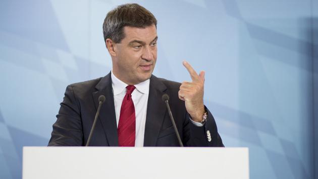 Der bayrische Finanzminister Markus Söder (CSU) mahnt CDU und SPD in der Flüchtlingsfrage. (Bild: dapd/Sebastian Widmann)