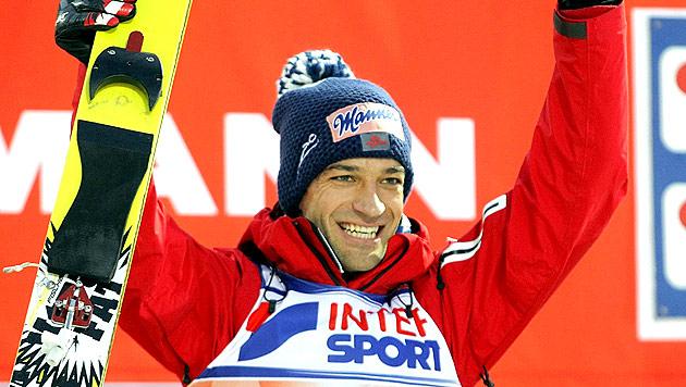Andi Kofler holt in Engelberg zwölften Weltcupsieg (Bild: EPA)