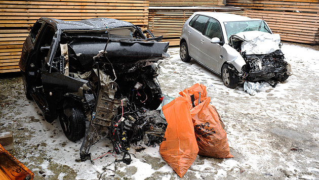 Frontalcrash in NÖ: Beide Lenker sterben in Wrack (Bild: Imre Antal)
