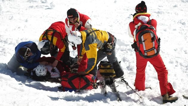 Zehnjährige bei Skiunfall in Tirol schwer verletzt (Bild: APA/Georg Hochmuth (Symbolbild))