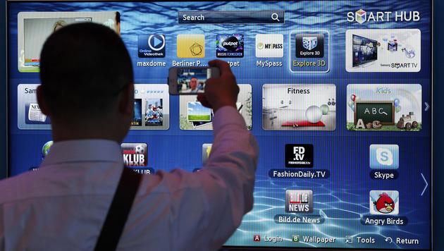 Datenkrake im Smart-TV: Klage gegen Samsung (Bild: AP)