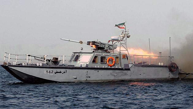 Manöver in Straße von Hormus: Iran demonstriert Stärke (Bild: EPA)