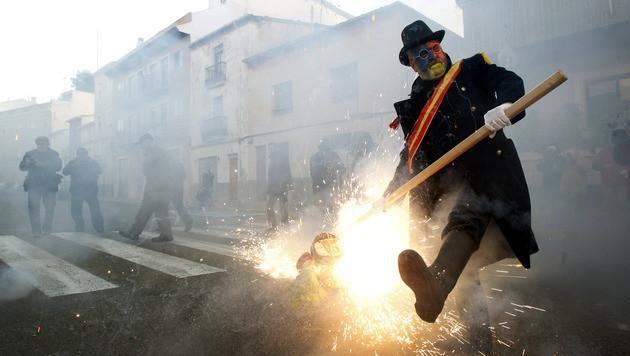 """""""Mehl-Rebellen"""" erobern spanische Kleinstadt (Bild: AP)"""