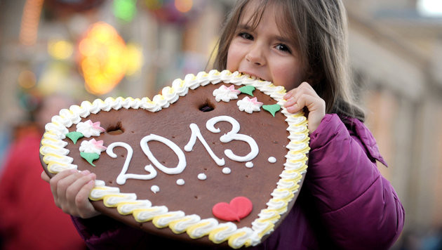 Prosit 2013! �sterreicher wieder optimistischer (Bild: APA/dpa/Franziska Kraufmann)