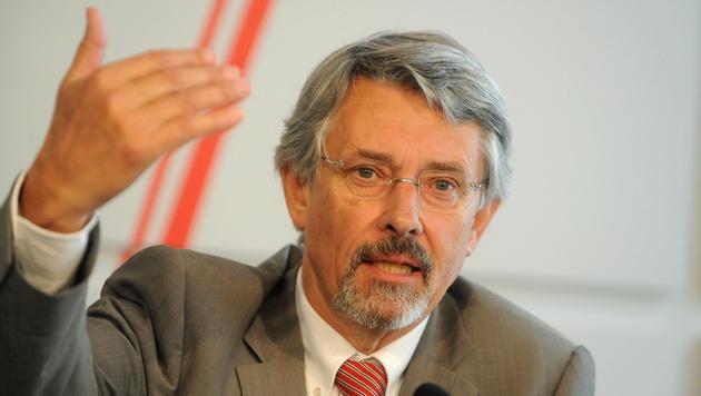 """Ex-Minister: """"Wehrpflicht ist totale Absurdit�t"""" (Bild: APA/HERBERT PFARRHOFER)"""