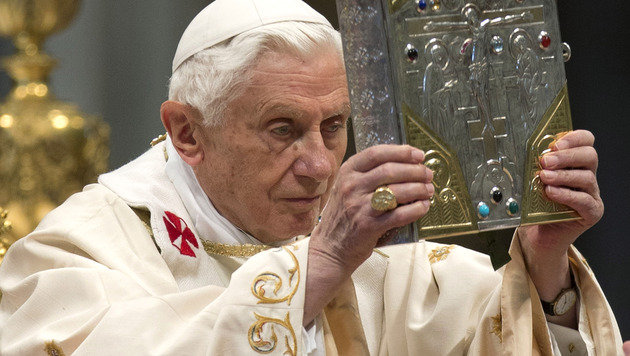 Graz: Uni-Professor fordert Todesstrafe f�r Papst (Bild: AP)