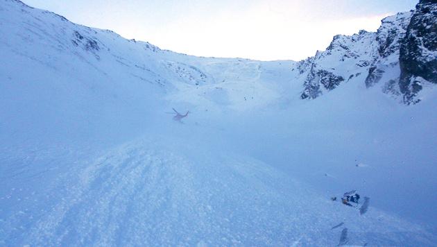 Nach Lawinendrama in Tirol: Gesuchter Alpinist aufgetaucht (Bild: APA/ZEITUNGSFOTO.AT/DANIEL LIEBL)