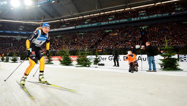 Biathletin Neuner von 50.000 Fans frenetisch gefeiert (Bild: dapd)