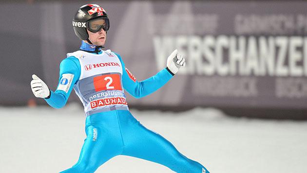 Jacobsen gewinnt in Oberstdorf vor Schlierenzauer (Bild: EPA)