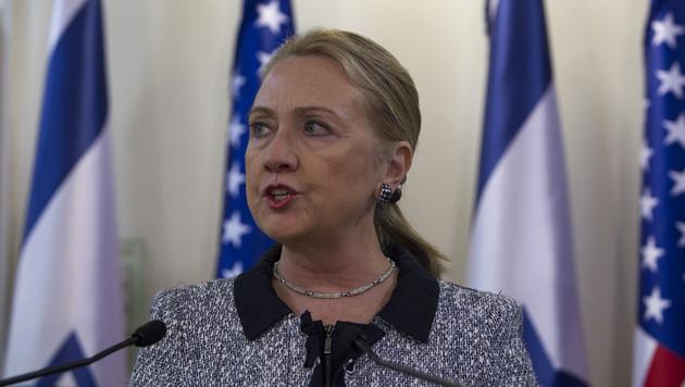 Blutgerinnsel im Kopf: Hillary Clinton ins Spital gebracht (Bild: AP)