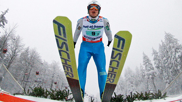 Skispringer aus Finnland nur noch Lachnummer (Bild: AP)