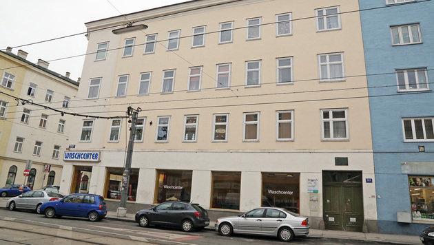 Elfj�hriger bei Sturz aus Fenster in Wien schwerst verletzt (Bild: Martin A. J�chl)