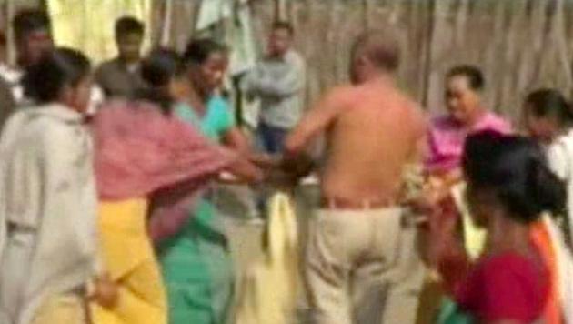 Indien: Politiker vergewaltigte Frau - beinahe gelyncht (Bild: dapd)