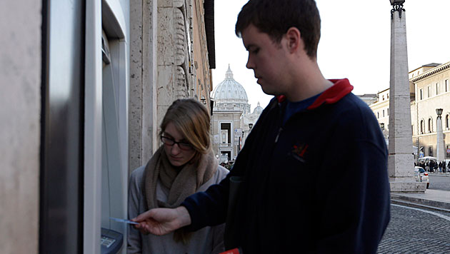 Italien blockiert Kreditkarten-Zahlung im Vatikan (Bild: dapd)
