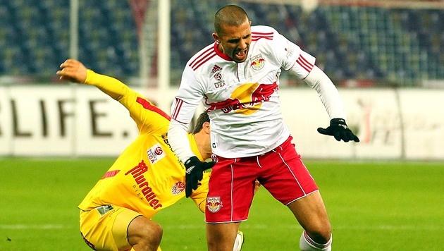 RB Salzburg hat f�r Douglas endlich einen Klub gefunden (Bild: APA/KRUGFOTO)