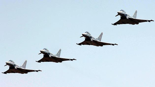 Wie der Eurofighter dem Bundesheer schadet (Bild: EPA)