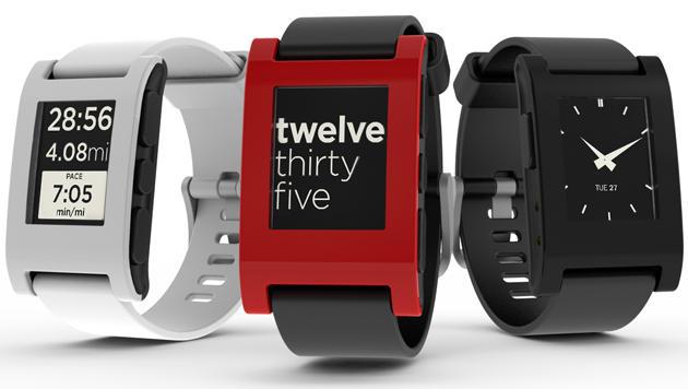 Auslieferung der Kickstarter-Uhr Pebble beginnt bald (Bild: Pebble)