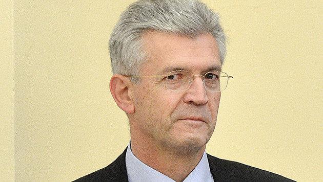 """""""Parteischädigend"""": VP schließt Hofrat Eduard Paulus aus (Bild: APA/BARBARA GINDL)"""