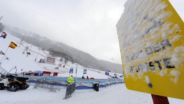 Zweites Training wegen Schneefalls abgesagt (Bild: APA/Hans Klaus Techt)