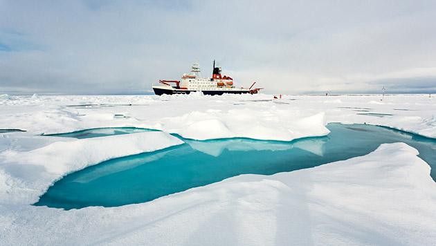 Schmelzwasser l�sst Arktis-Meereis schneller tauen (Bild: Alfred-Wegener-Institut/Stefan Hendricks)