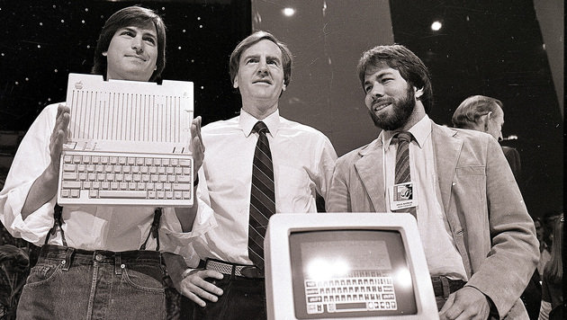 Steve Jobs, John Sculley, Steve Wozniak (Bild: AP)