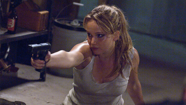 "Jennifer Lawrence im ""House at the End of the Street"" (Bild: Universum Film)"