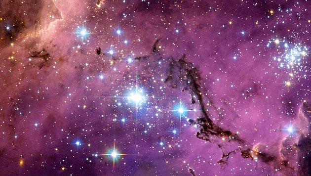 'Hubble' fotografiert Sternfabrik von Nachbargalaxie (Bild: NASA, ESA/Josh Lake)