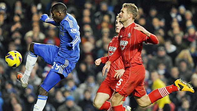 Southampton holt bei Chelsea Remis, ManU siegt im Cup (Bild: EPA)
