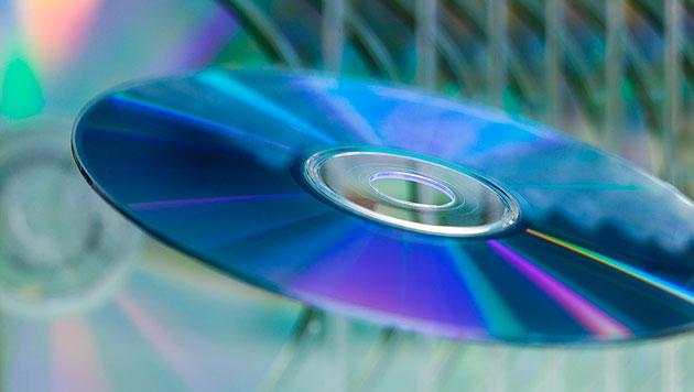 CD-ROM und Radio sterben laut US-Umfrage heuer aus (Bild: thinkstockphotos.de)
