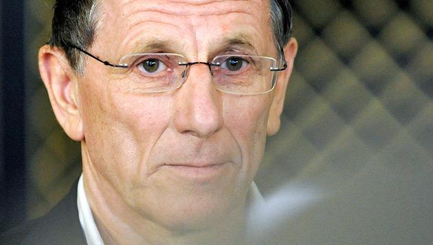 Staatsanwalt beantragt Haftbefehl gegen Hochegger (Bild: APA/HERBERT NEUBAUER)
