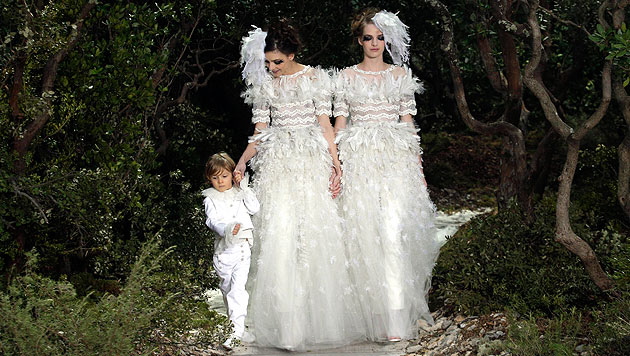 Lagerfeld pl�diert bei Modedefilee f�r Homo-Ehe (Bild: dapd)
