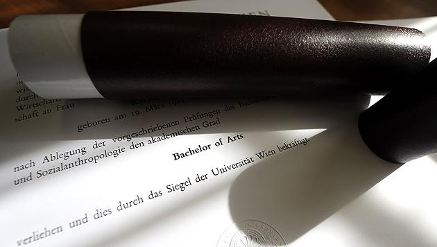 Mehr Absolventen: Bachelor löst den Magister ab (Bild: APA/Herbert Pfarrhofer)