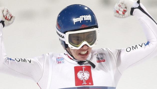 Stefan Kraft holt bei der Junioren-WM in Liberec Bronze (Bild: EPA)