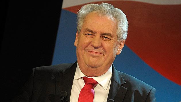 Zeman erster direkt gew�hlter Pr�sident Tschechiens (Bild: EPA)