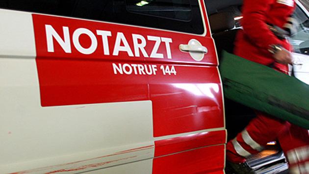 Polizeiauto kracht in Pkw: Beamter schwer verletzt (Bild: Uta Rojsek-Wiedergut)
