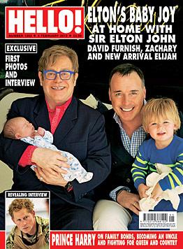 Elton John zeigt zum ersten Mal sein Söhnchen Elijah (Bild: Hello!)