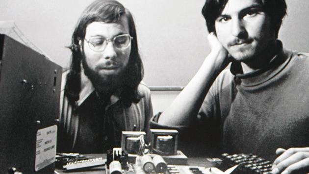 Steve Jobs und Steve Wozniak (Bild: AP)