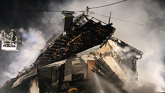 Haus in die Luft gejagt: 49-Jähriger festgenommen (Bild: APA/Matthias Lauber)