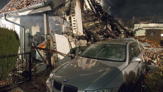 Haus in die Luft gejagt: 49-Jähriger festgenommen (Bild: WERNER KERSCHBAUMMAYR/FOTO-KERSCHI.AT)