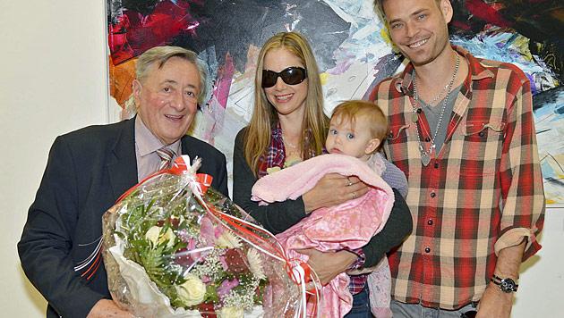 Lugner-Stargast Sorvino erkundete mit Familie Wien (Bild: APA/Andreas Tischler/Vienna Press)