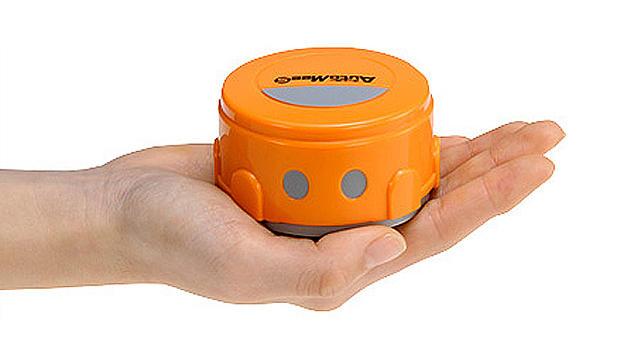 Schräge Erfindung: Putzroboter für das Smartphone (Bild: Takara Tomy)