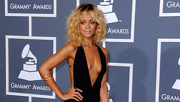 Schluss mit nackt: Strenger Dresscode bei den Grammys (Bild: EPA)