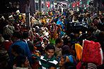 Dutzende Tote bei Massenpanik in Indien (Bild: AP)